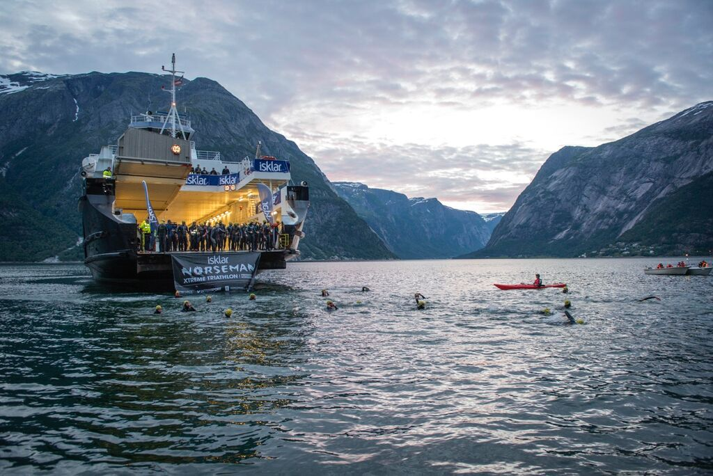 Swim start Norseman